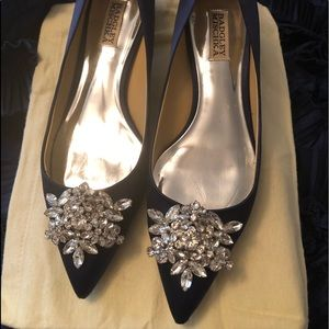 Badley Mischka silk/satin kitten heel dress shoes